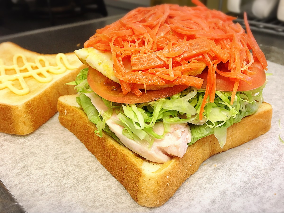 Making the overly packed sandwich