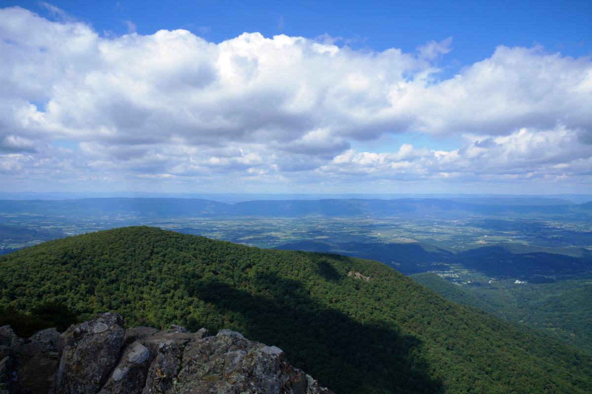 View Hawksbill Mountain in Shenandoah National Park