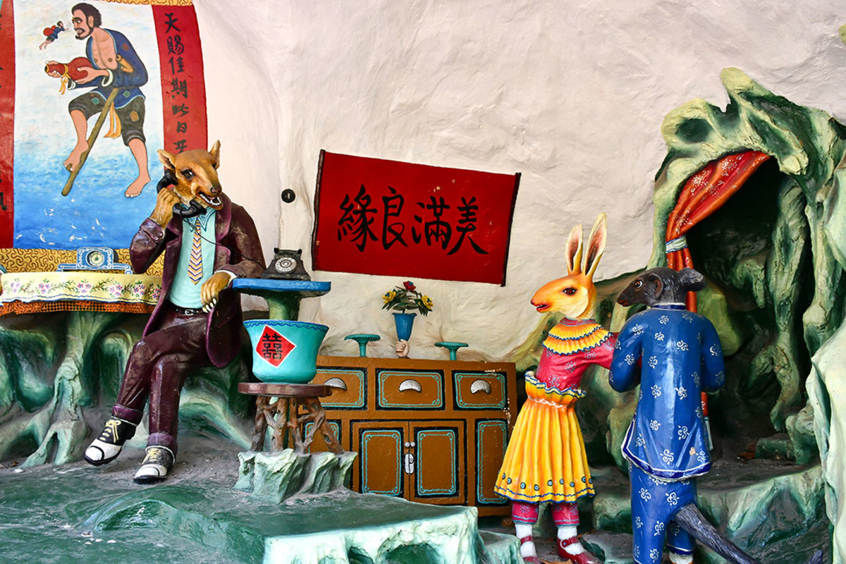 A rabbit marrying a wolf? Possibly the weirdest diorama in Haw Par Villa.