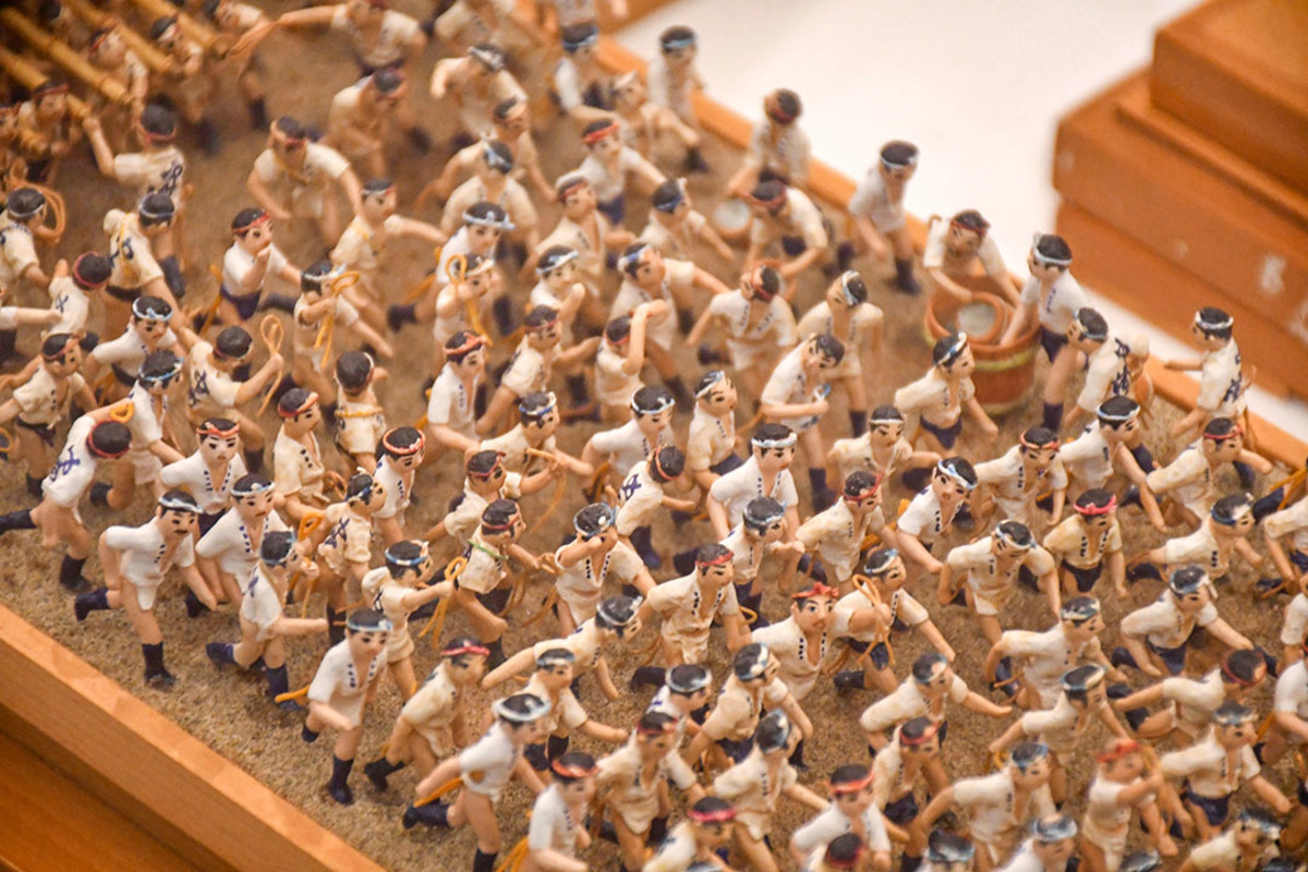 More lively figurines depicting the Hakata Gion Yamakasa festival.