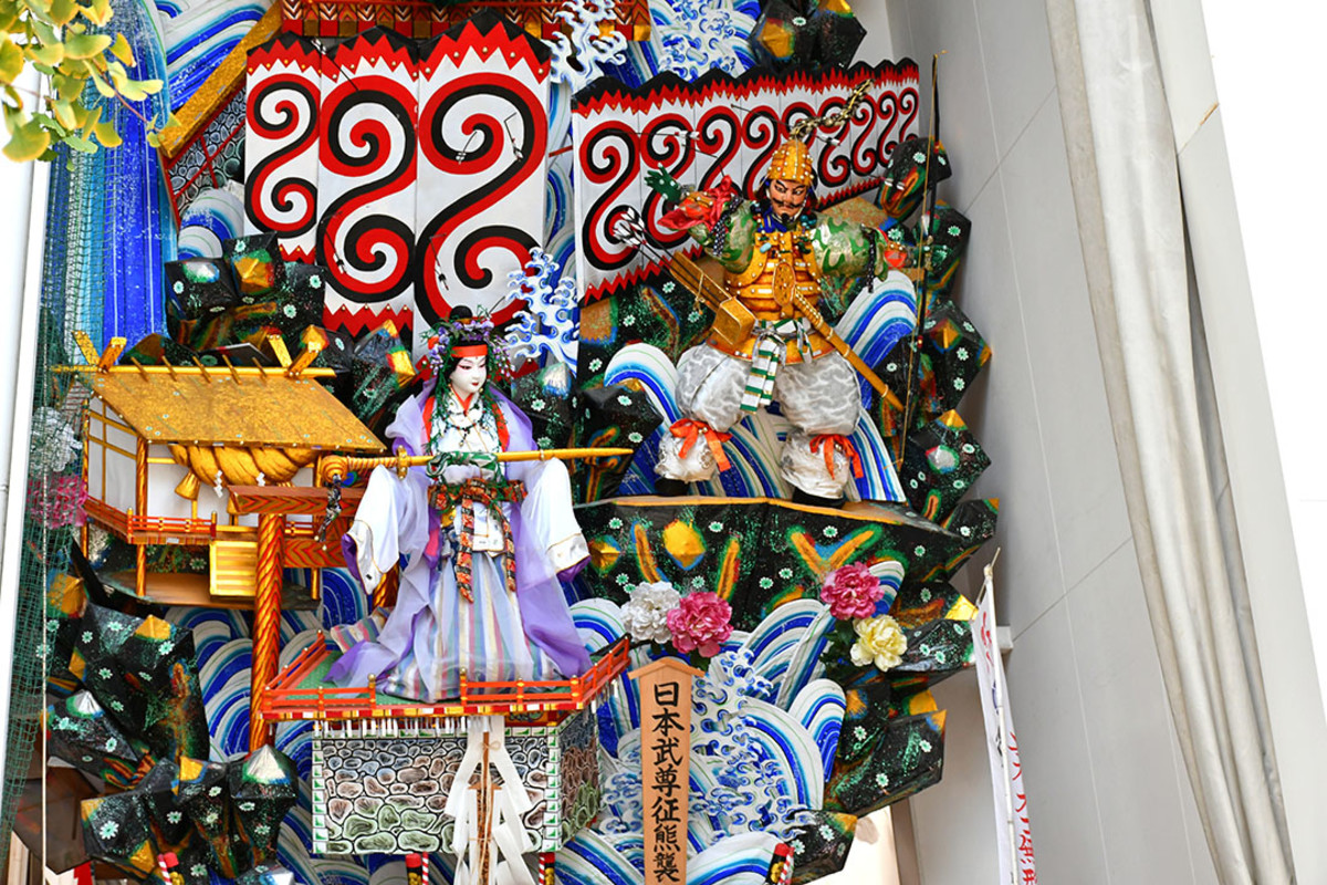 Close-up of one of the Kazariyama Float. According to the kanji characters, this scene depicts one of the deeds of Yamato Takeru, the legendary 12th Emperor of Japan.