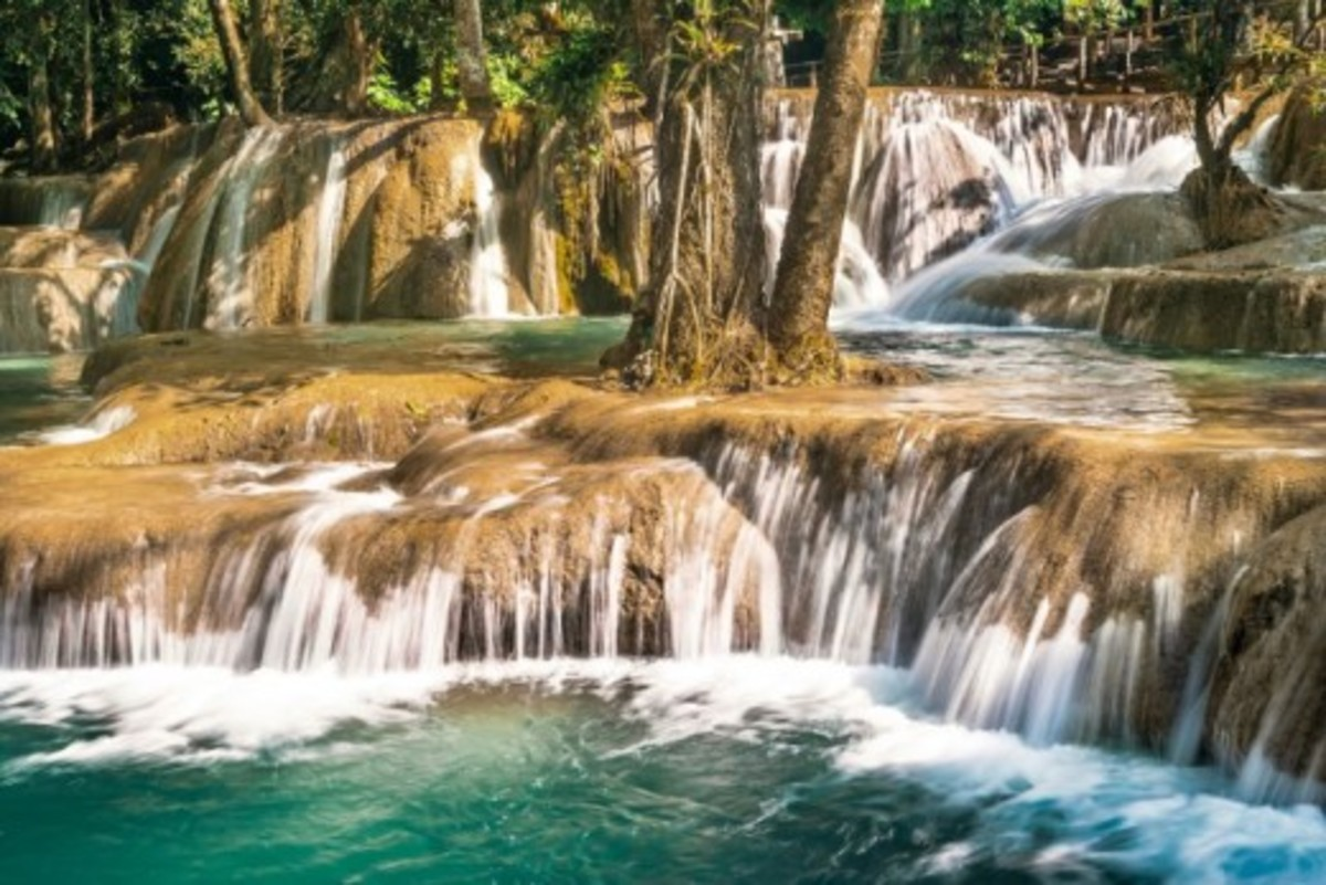 top-5-best-waterfalls-in-laos