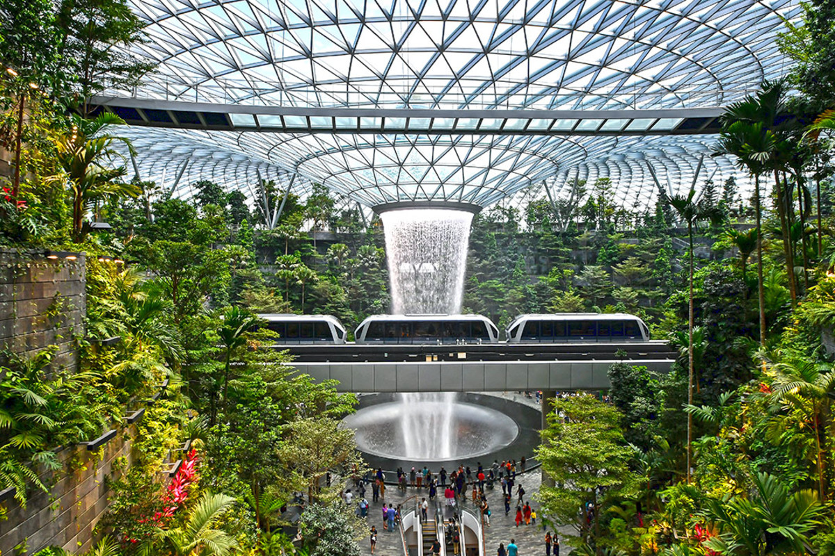 For an alternate view of the HSBC Rain Vortex, ride the Changi Airport Skytrain in between Terminal 2 and Terminal 3. The carriages leisurely glide past the heart of the waterfall.