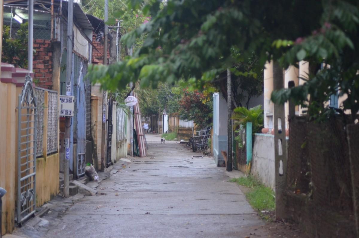A backstreet in Hoi An (c) A. Harrison