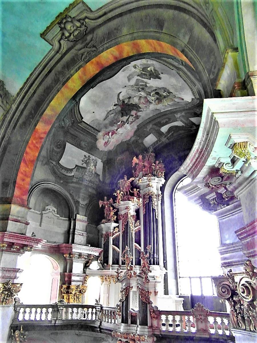 The Baroque organ.