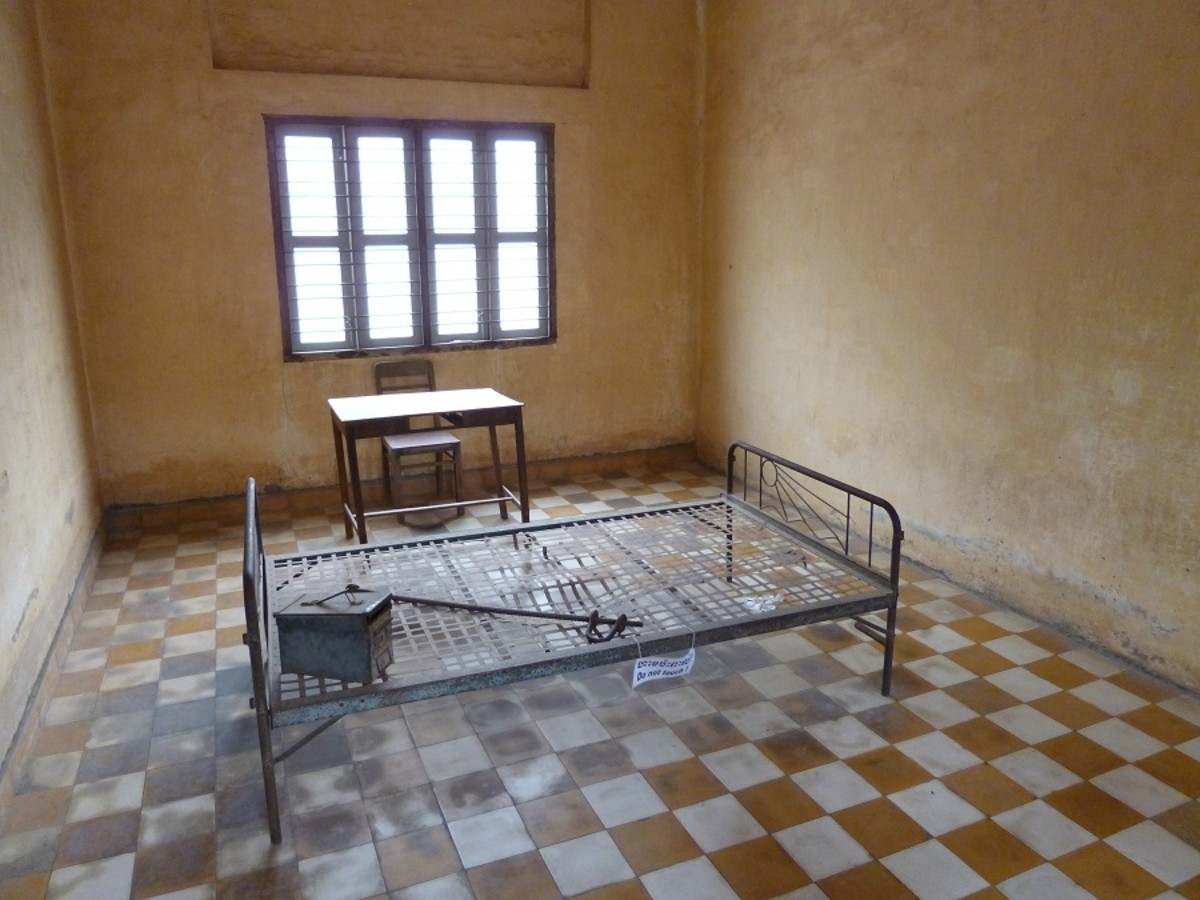 visit-the-phnom-penh-prison-camp-tuol-sleng
