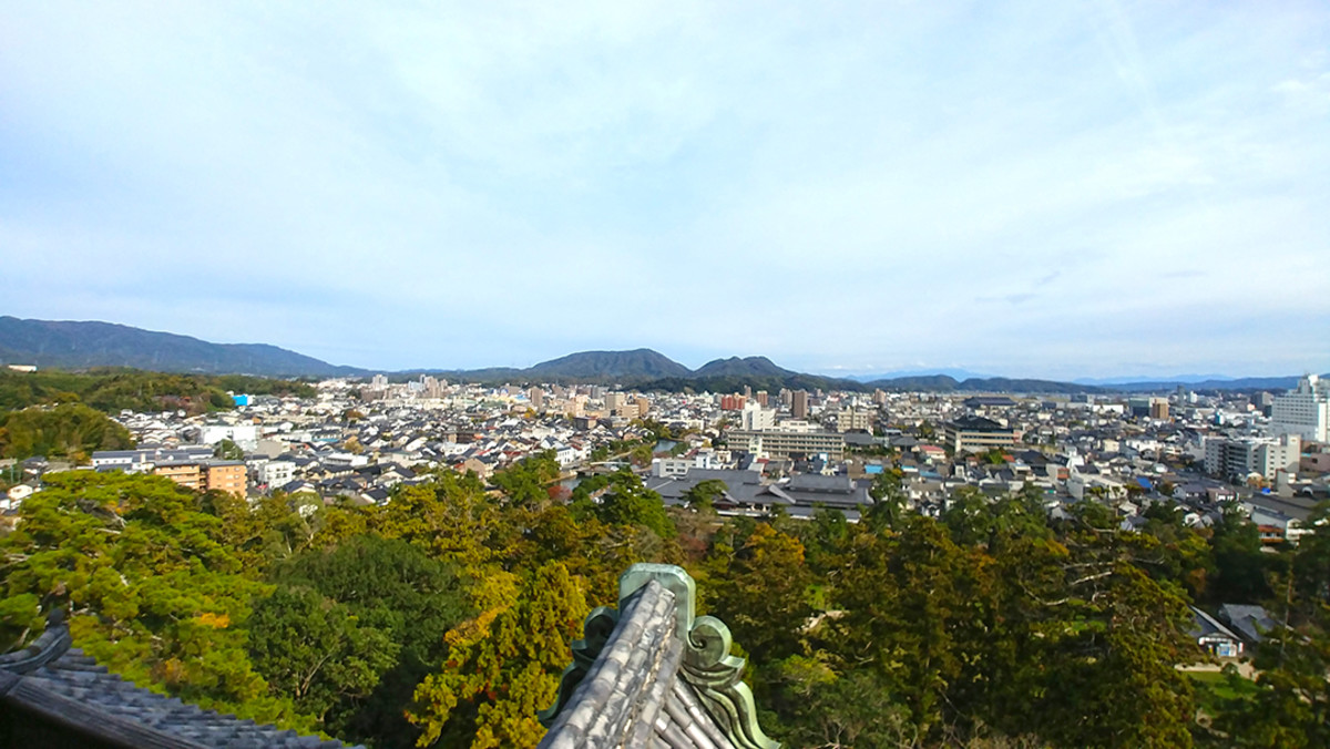 View of Matsue City from the top of the keep.