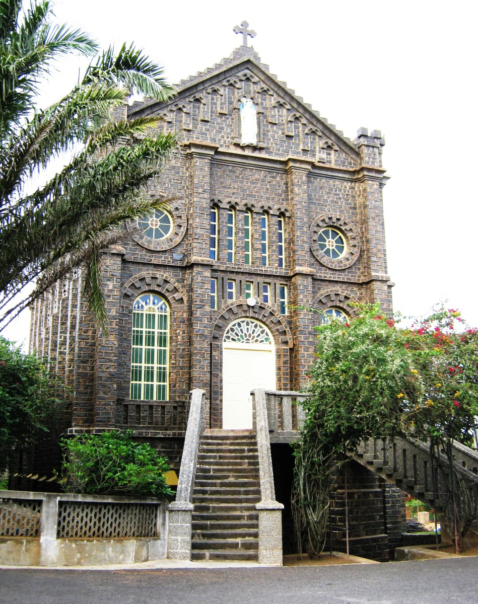 Facade of Montfort School Church