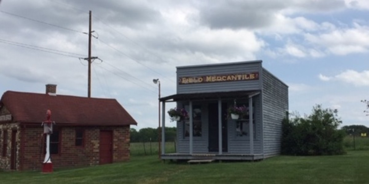 Field Mercantile Store and Martin Gas Station, Madison County Historical Complex