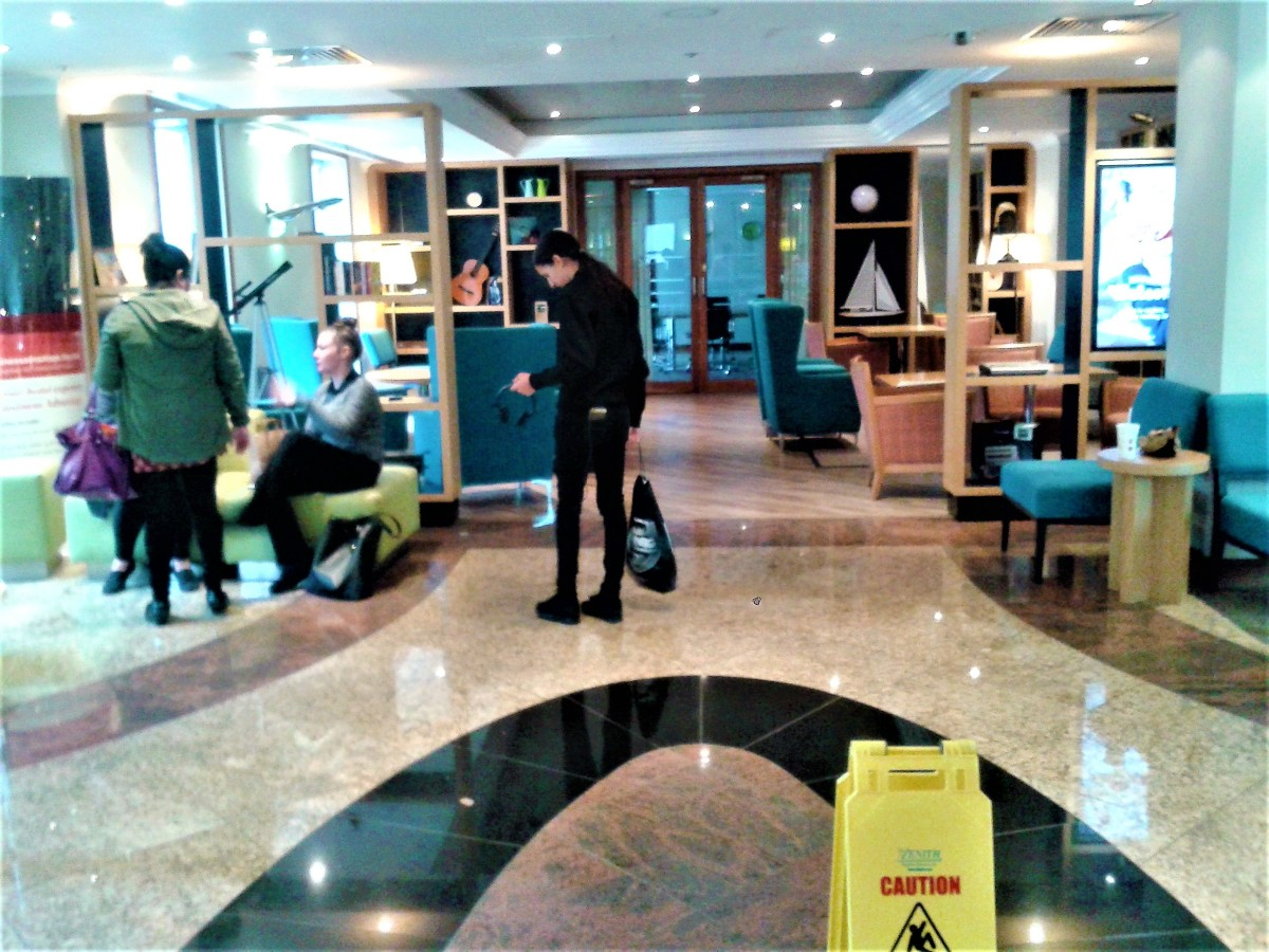 Lobby of Holiday Inn Heathrow Terminal 5.