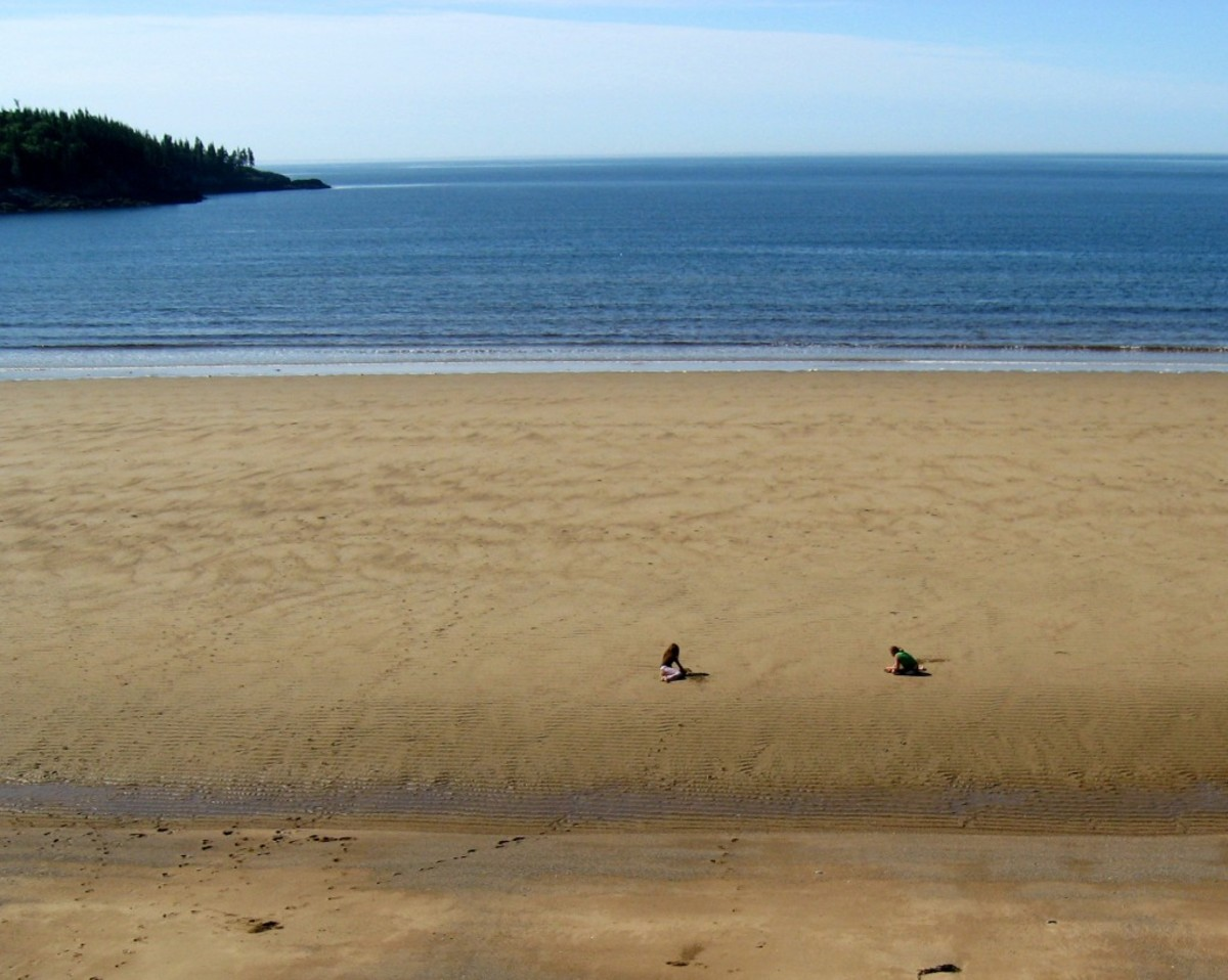 The beach was almost deserted. This was right across from the campground.