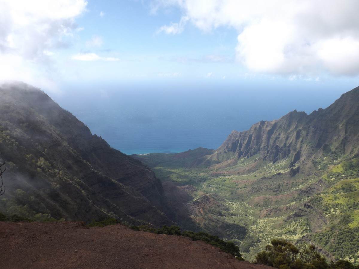 Photo from the Kalalau Lookout. Combined with the nearby Waimea Canyon, this is a popular tour stop that can cost upwards of $300.