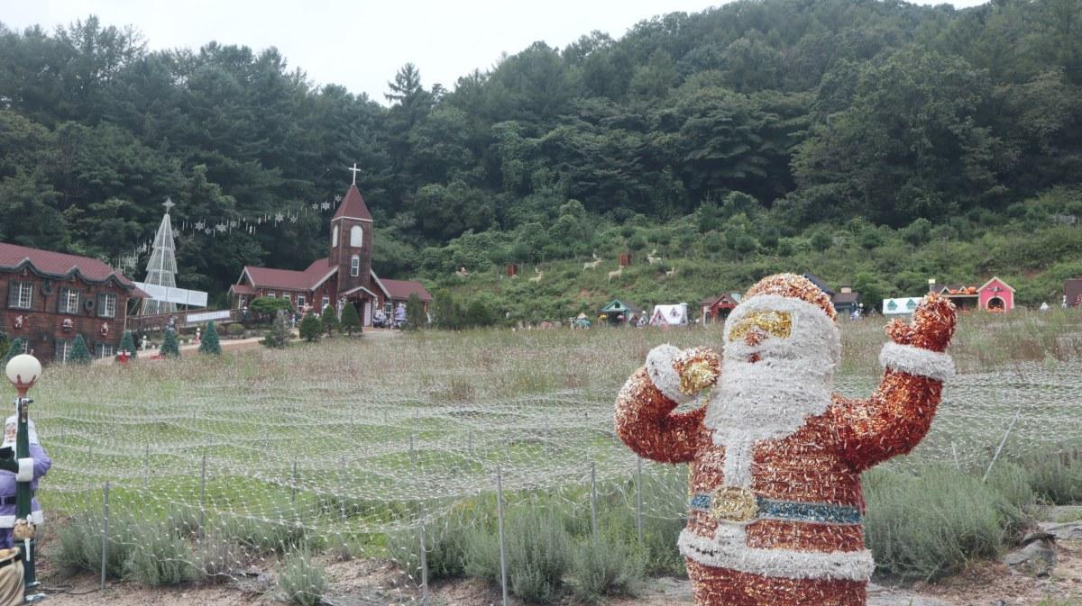 Mysterious Springtime Santa Decorations on Pocheon Herb Island
