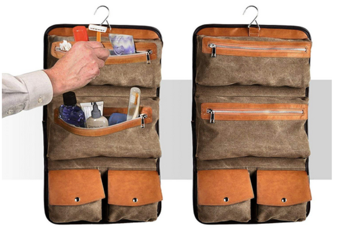 Interior of the Vetelli Hanging Toiletries Bag