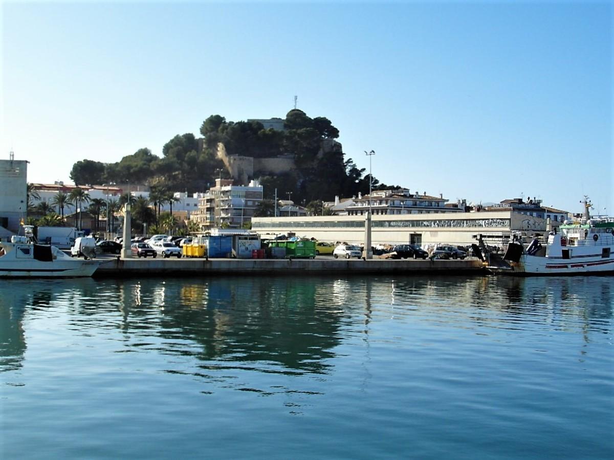 Denia castle from the marina.