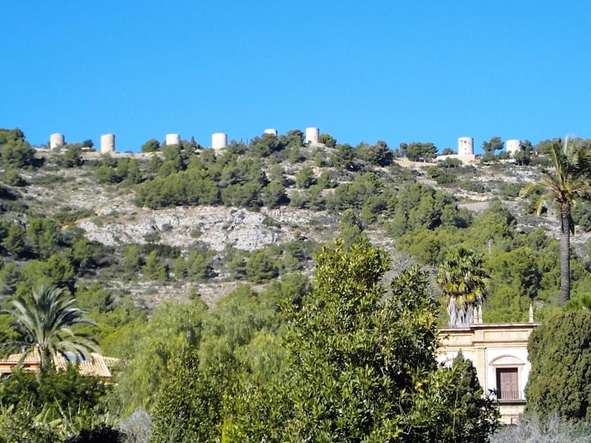 Molins de la Plana. Windmills above Xabia.