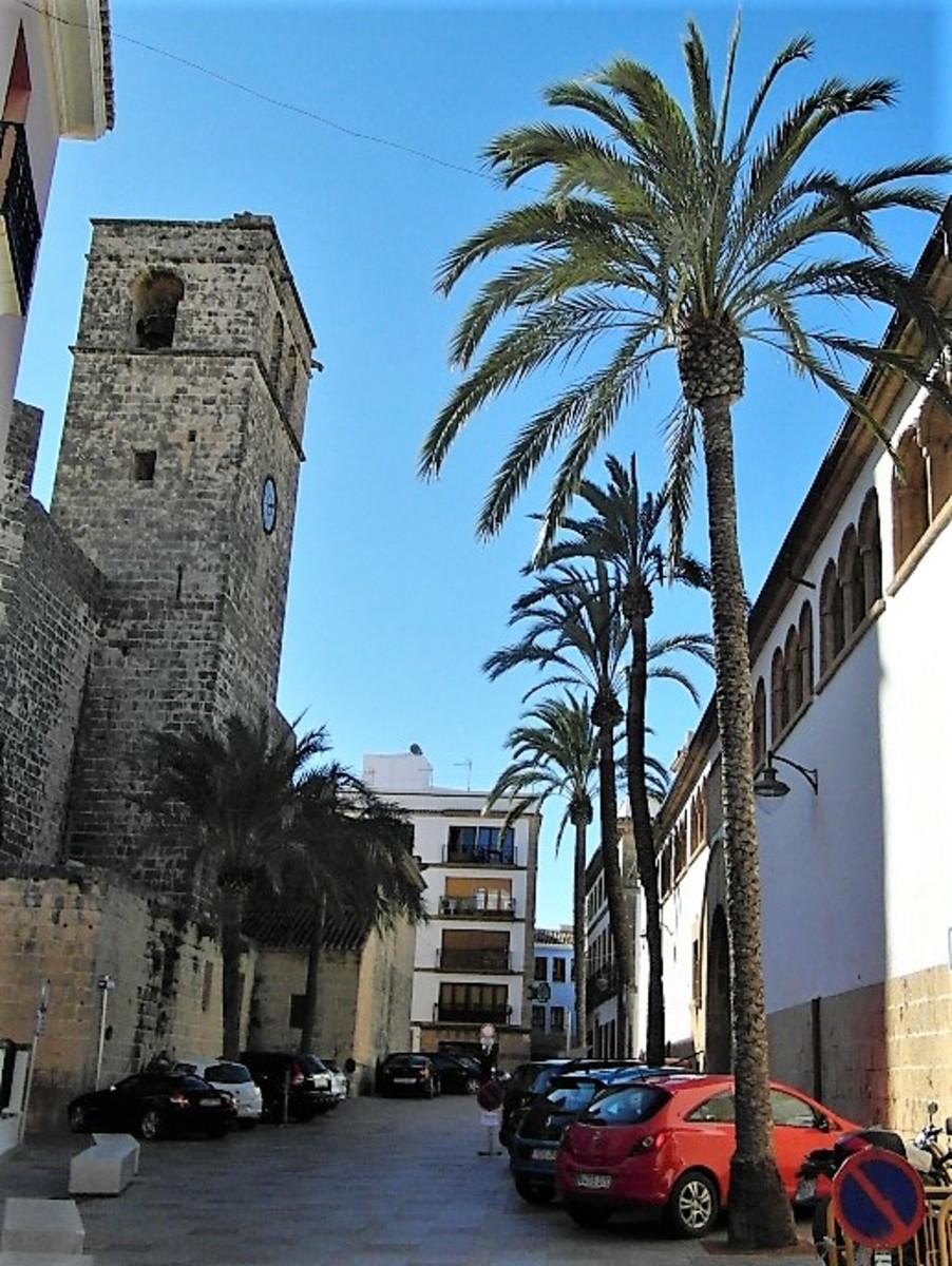 Iglezia-Fortaleza de San Bartolome.