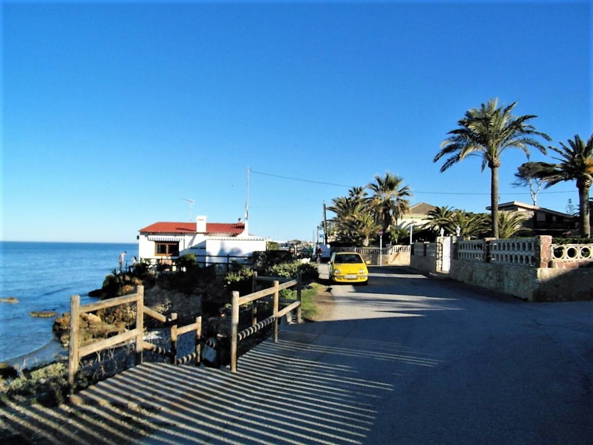 A pleasant coastal walk.