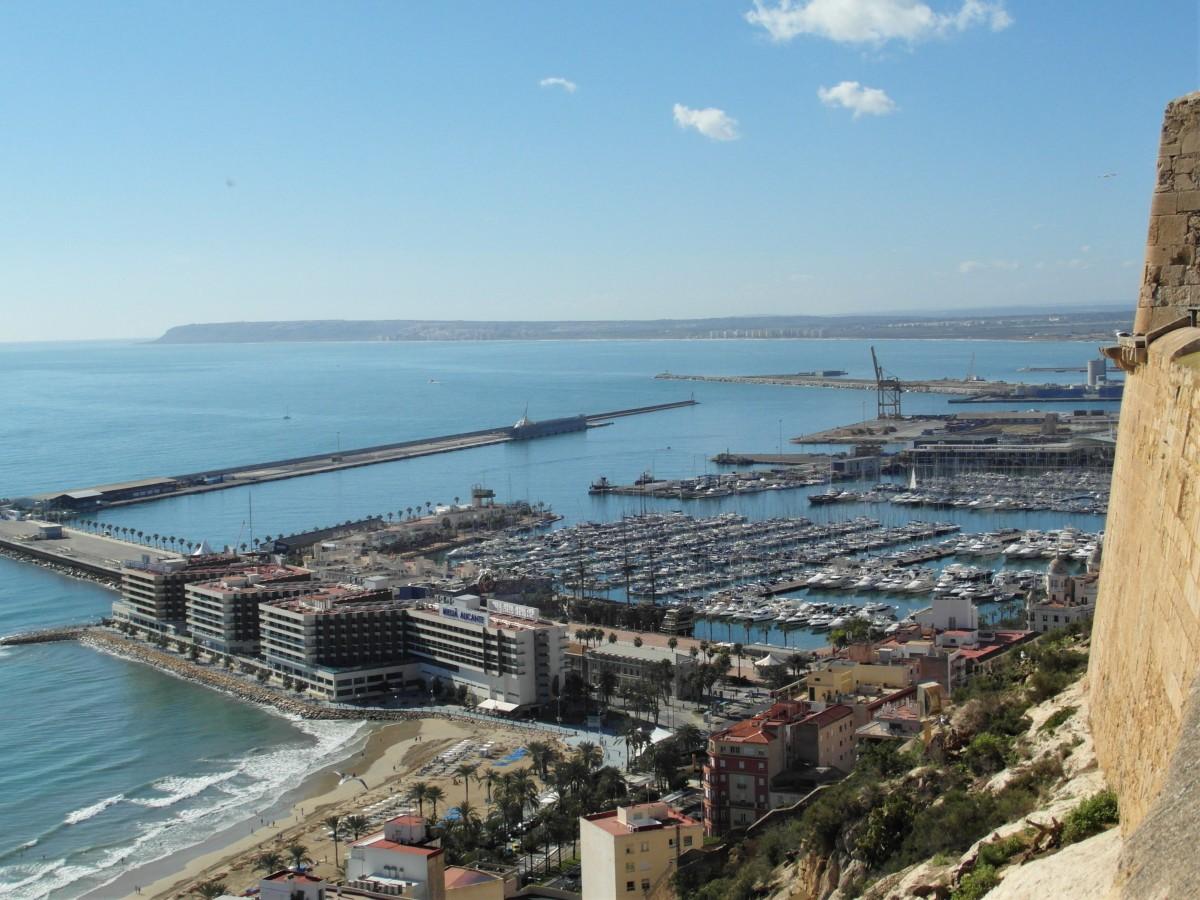 The port of Alicante from the Santa Barbara Castle.