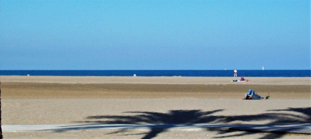 Wide sandy beach, Valencia.
