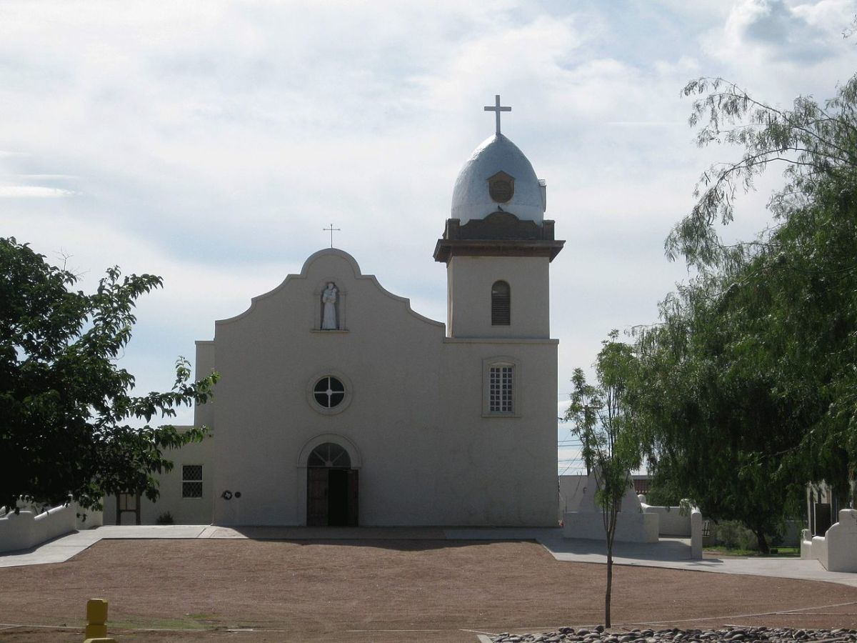 Mission Corpus Christi de la Ysleta - the oldest surviving parish in the United States