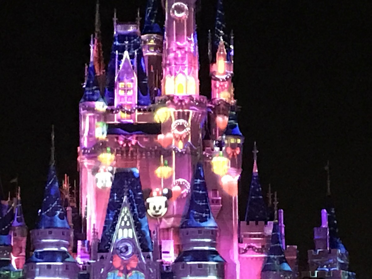 CInderella's Castle During Mickey's Very Merry Christmas Party