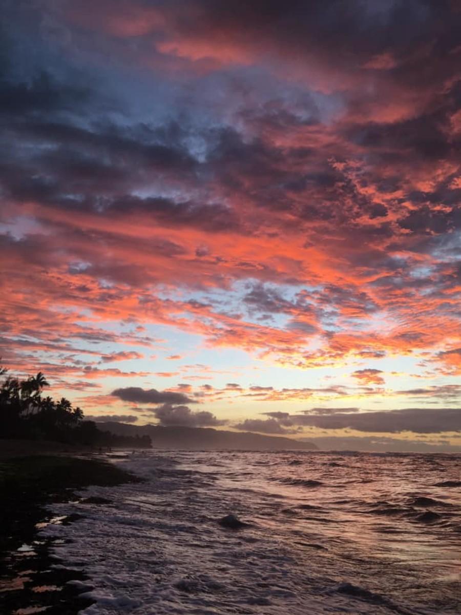 Sunset at Laniakea Beach