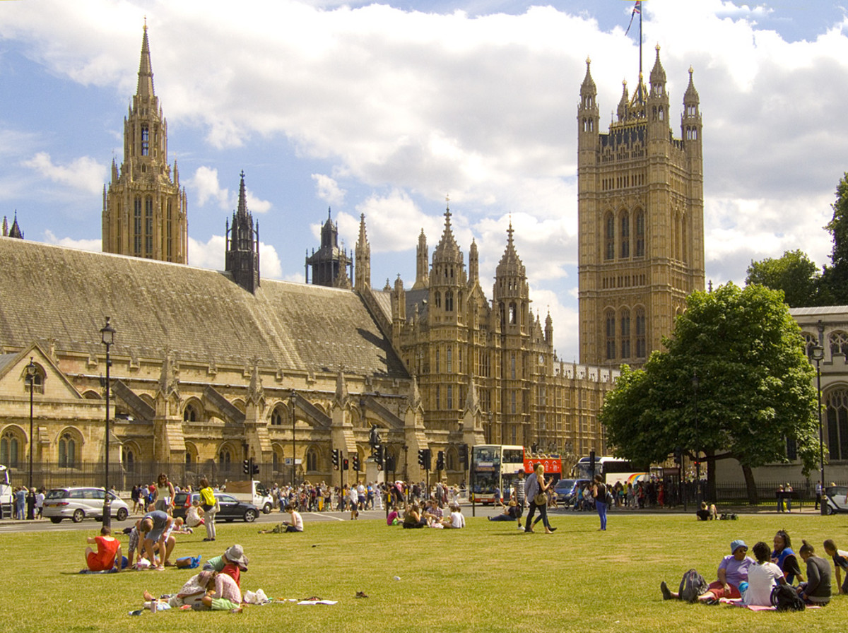 Picnics on Parliament Square, London