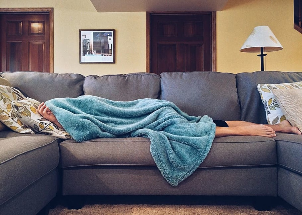 Don't make yourself a little too at home and keep your hosts up past their bedtime.