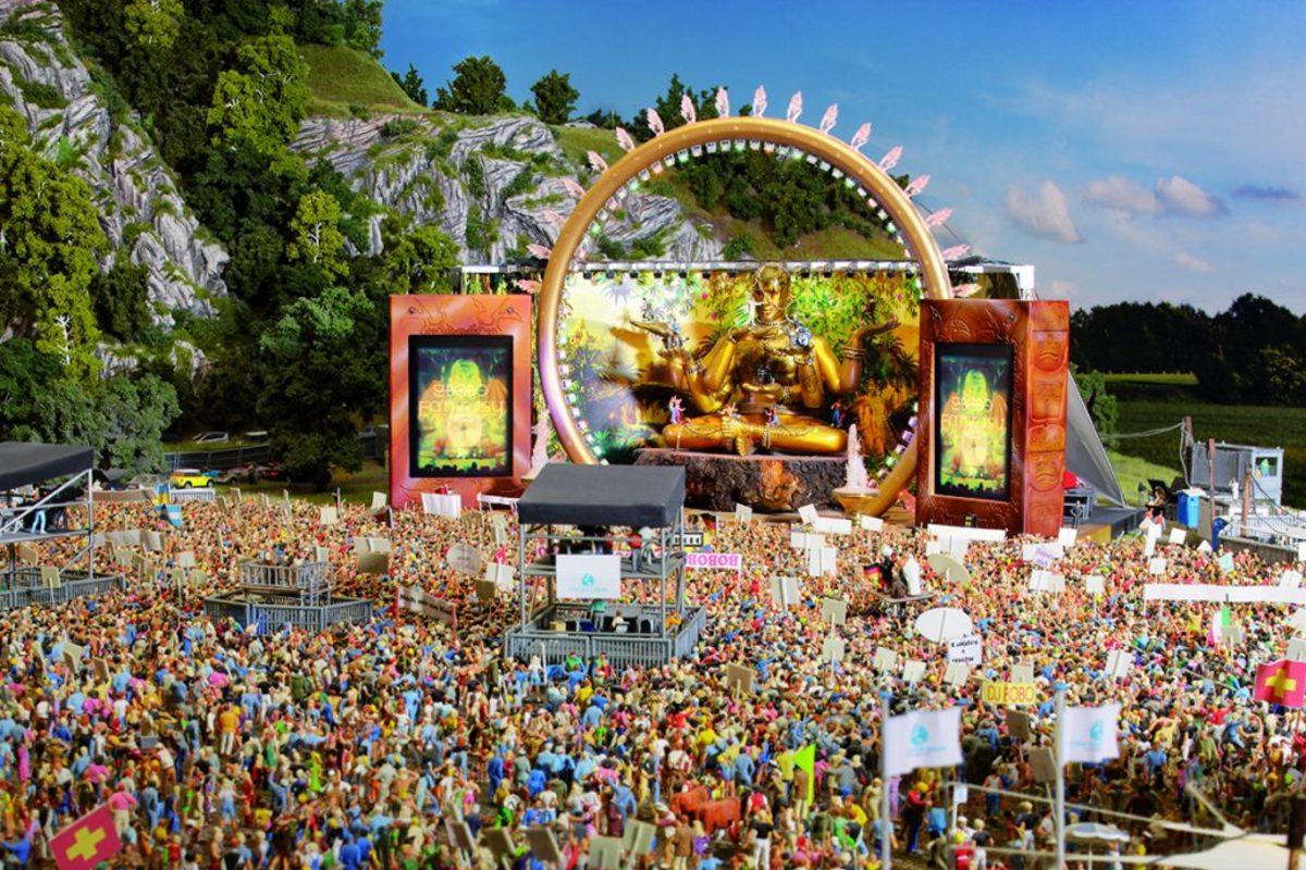 Miniatur crowds at Miniatur Wunderland
