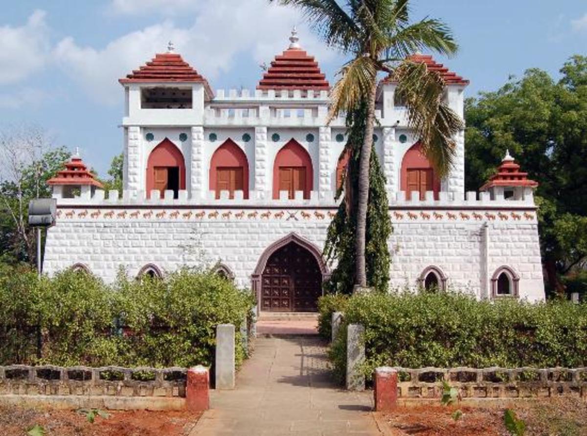 Panchalankurichi Kattabomman Memorai