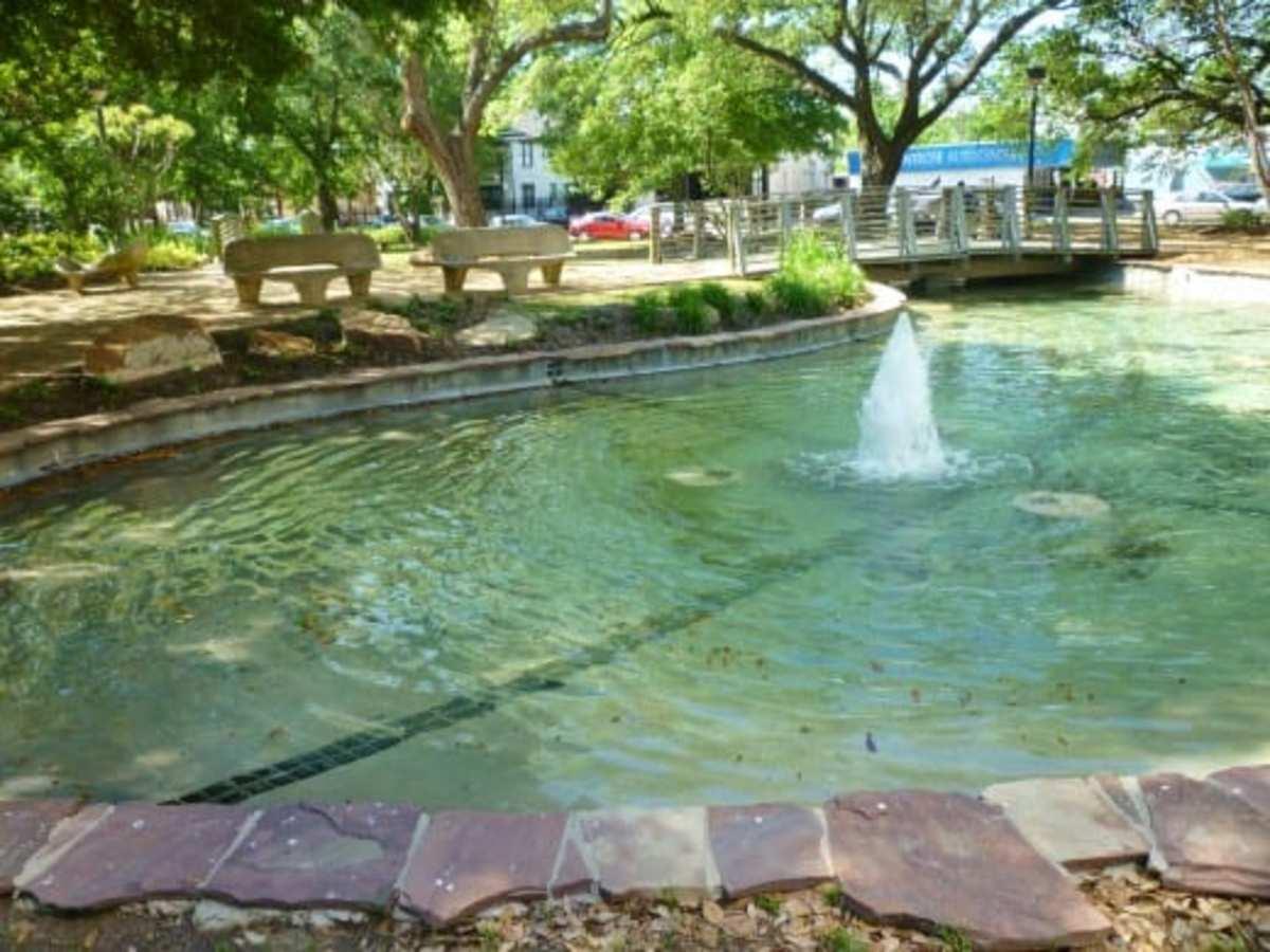 Bell Park Splashing Water Sounds