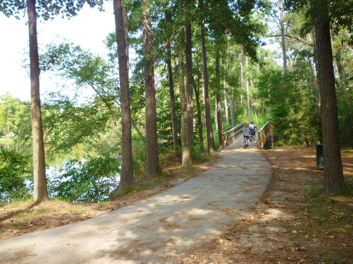 Hiking and biking paths in Meyer Park