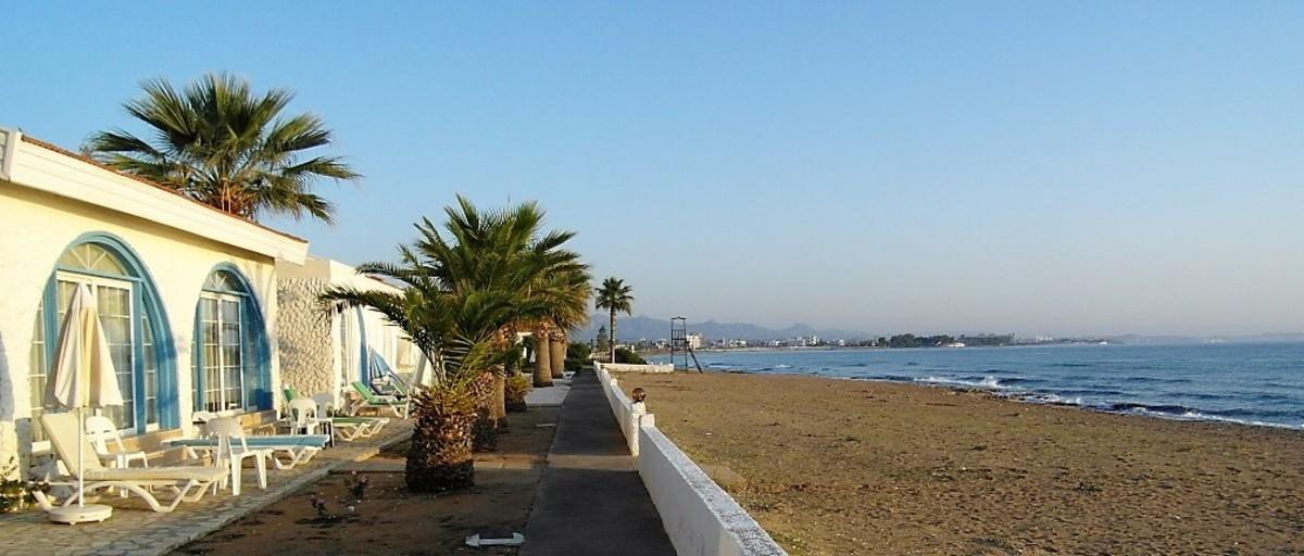 The tempting beach.