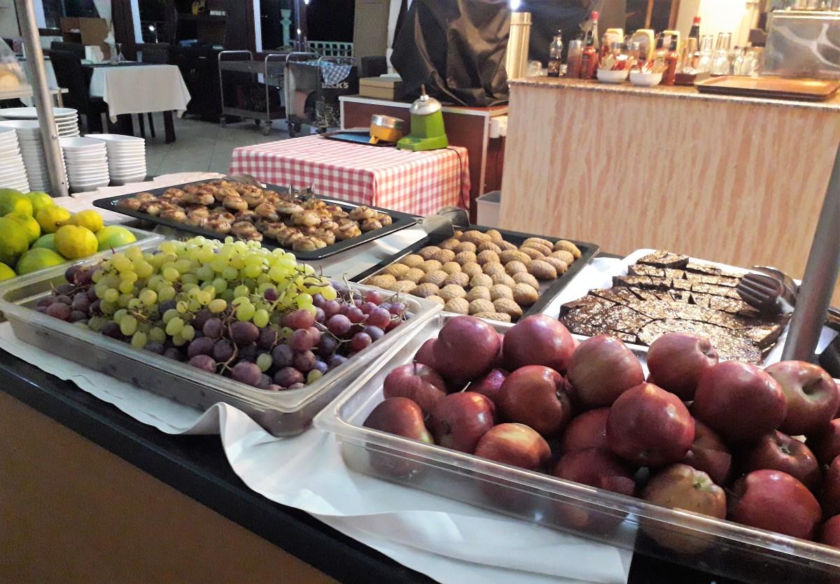 Fresh fruit and desserts.