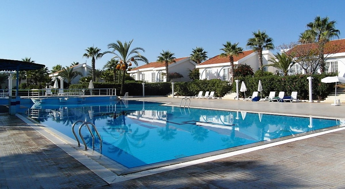 Long Beach Resort pool.