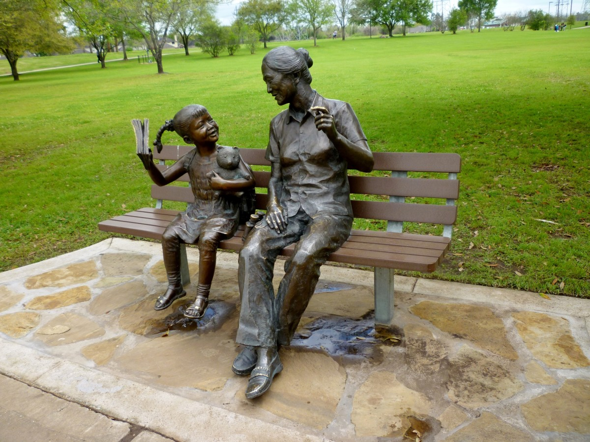 Another view of Grandma and Grandaughter on Bench
