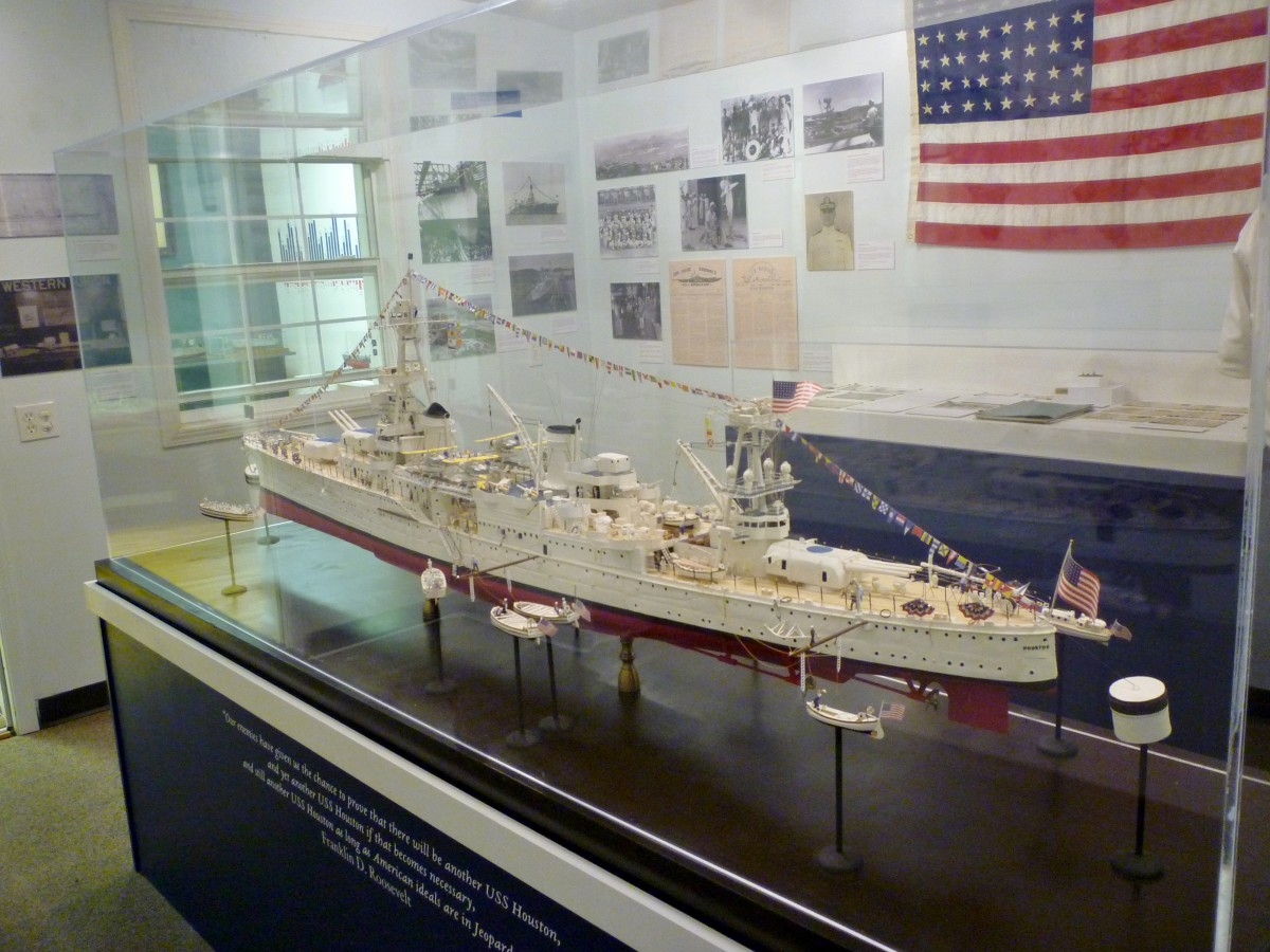 USS Houston model
