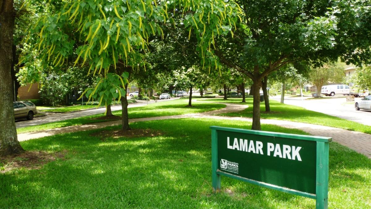 Lamar Park photo in May
