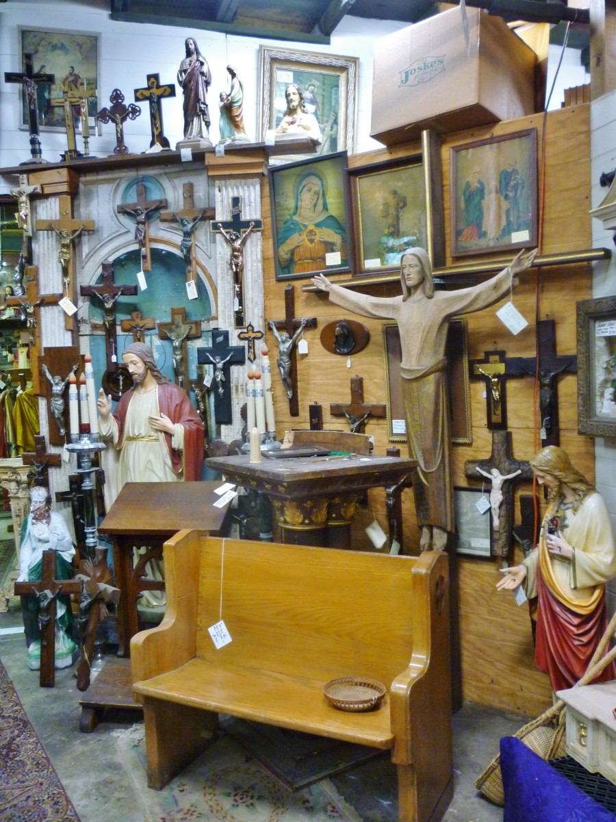 So many religious items!
