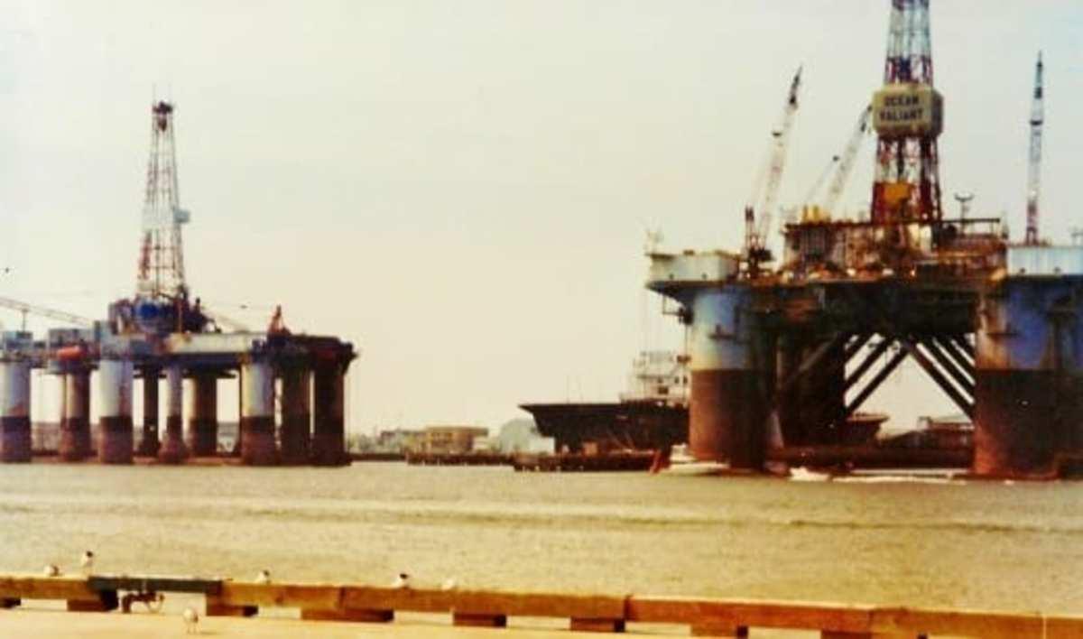 Offshore oil drilling rigs in Galveston