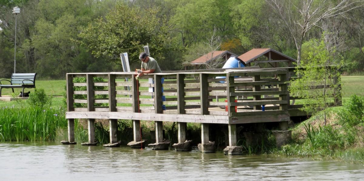 Fishing pier at Seabourne Lake