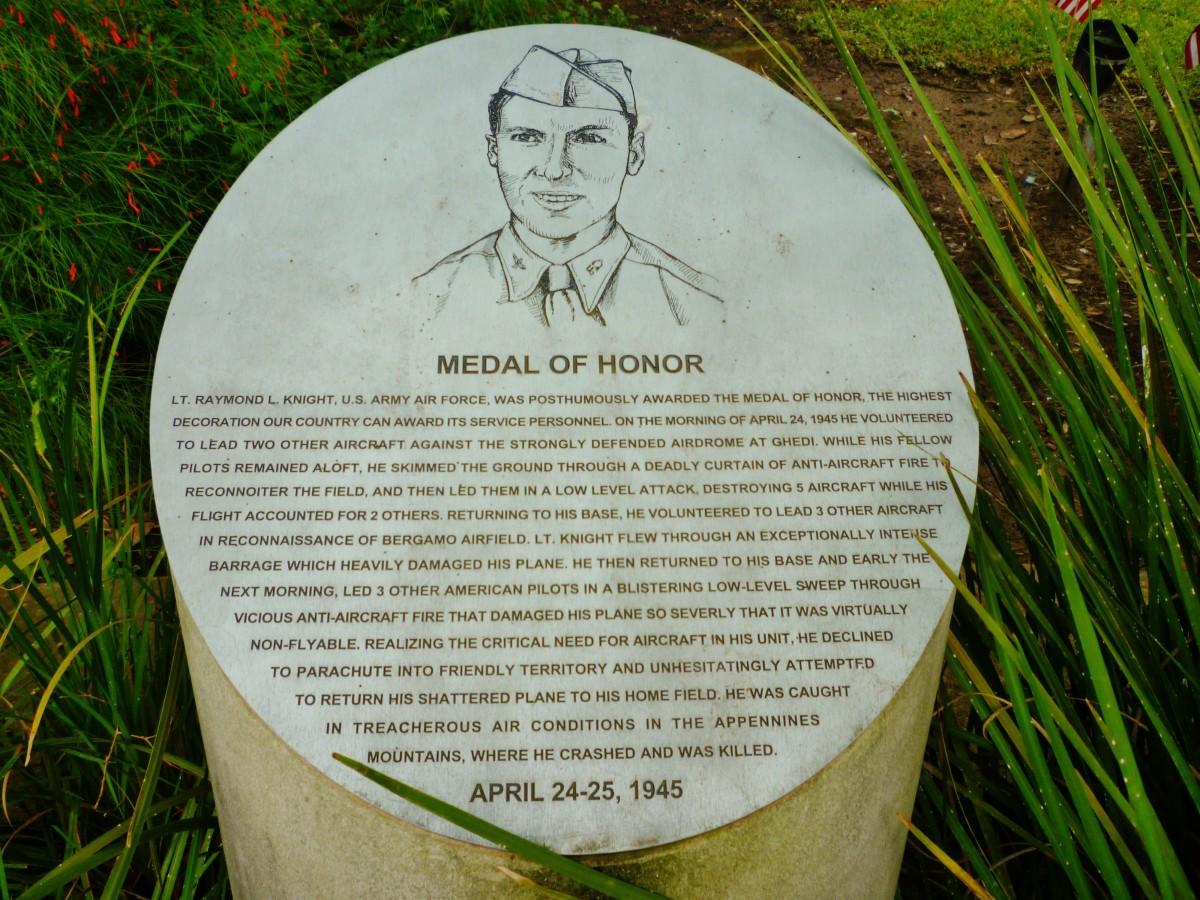 Medal of Honor information regarding Lt. Raymond L. Knight