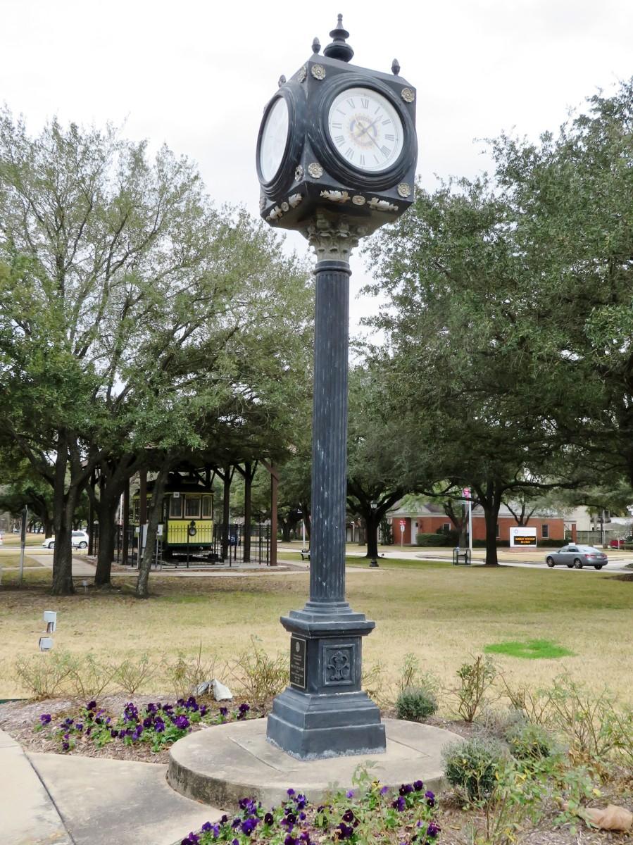 Bellaire Paseo Park Clock