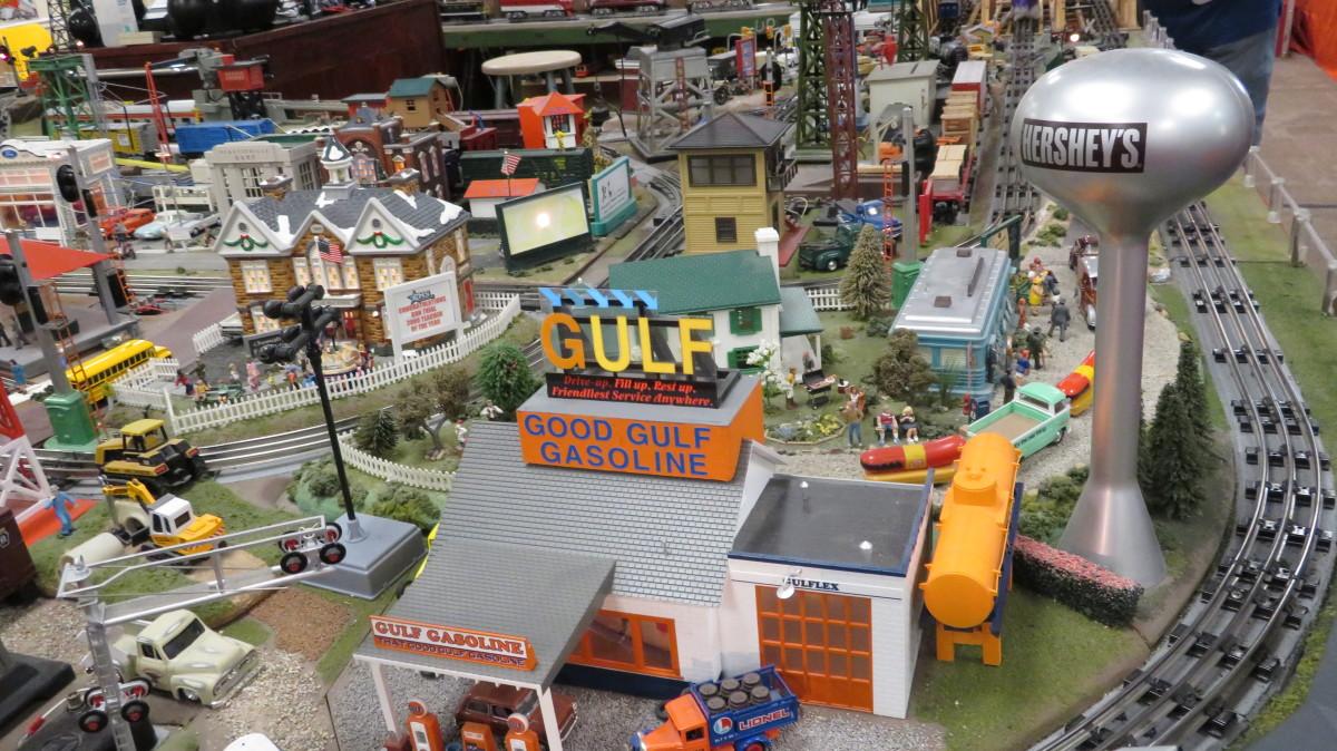 Houston Tinplate Operators Society display in Memorial City Mall
