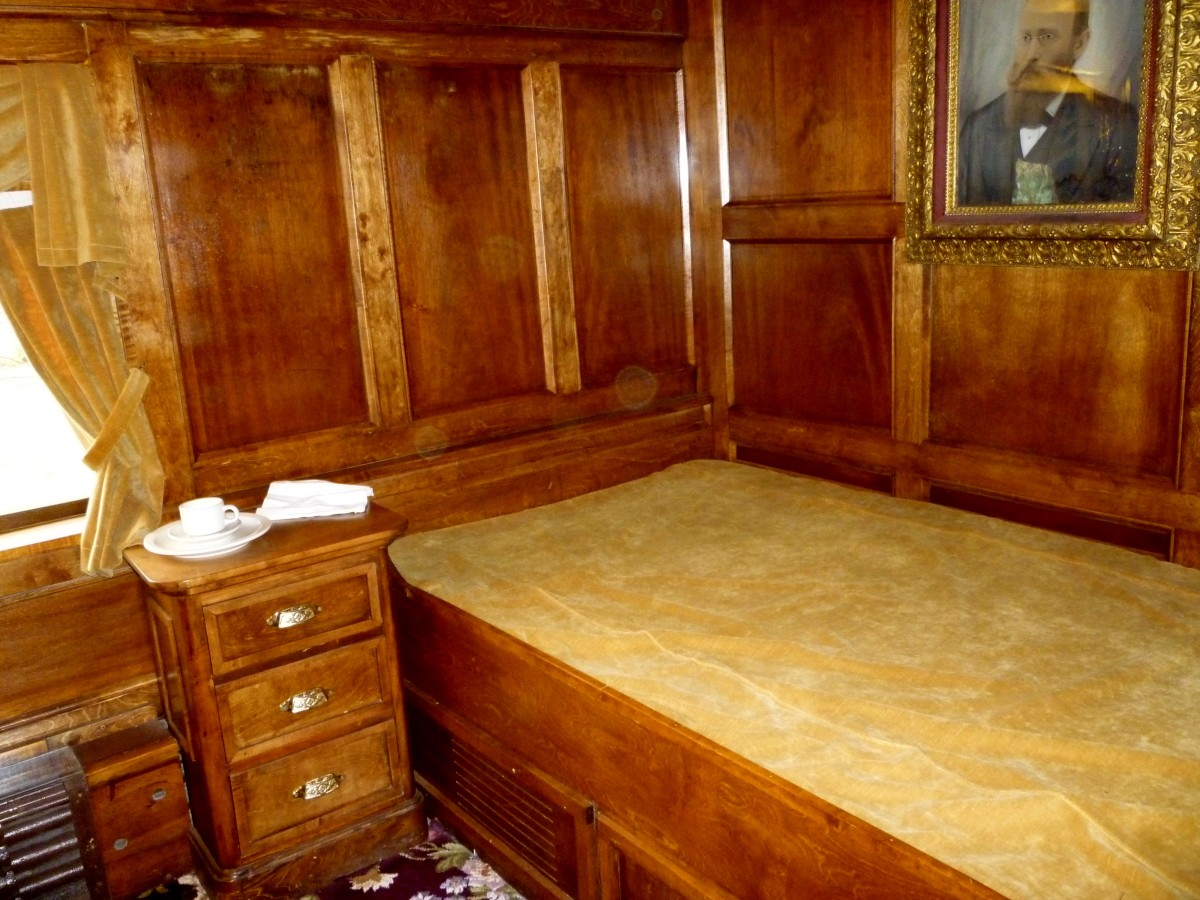 One of the bedrooms in the 'Quebec' Rail Car