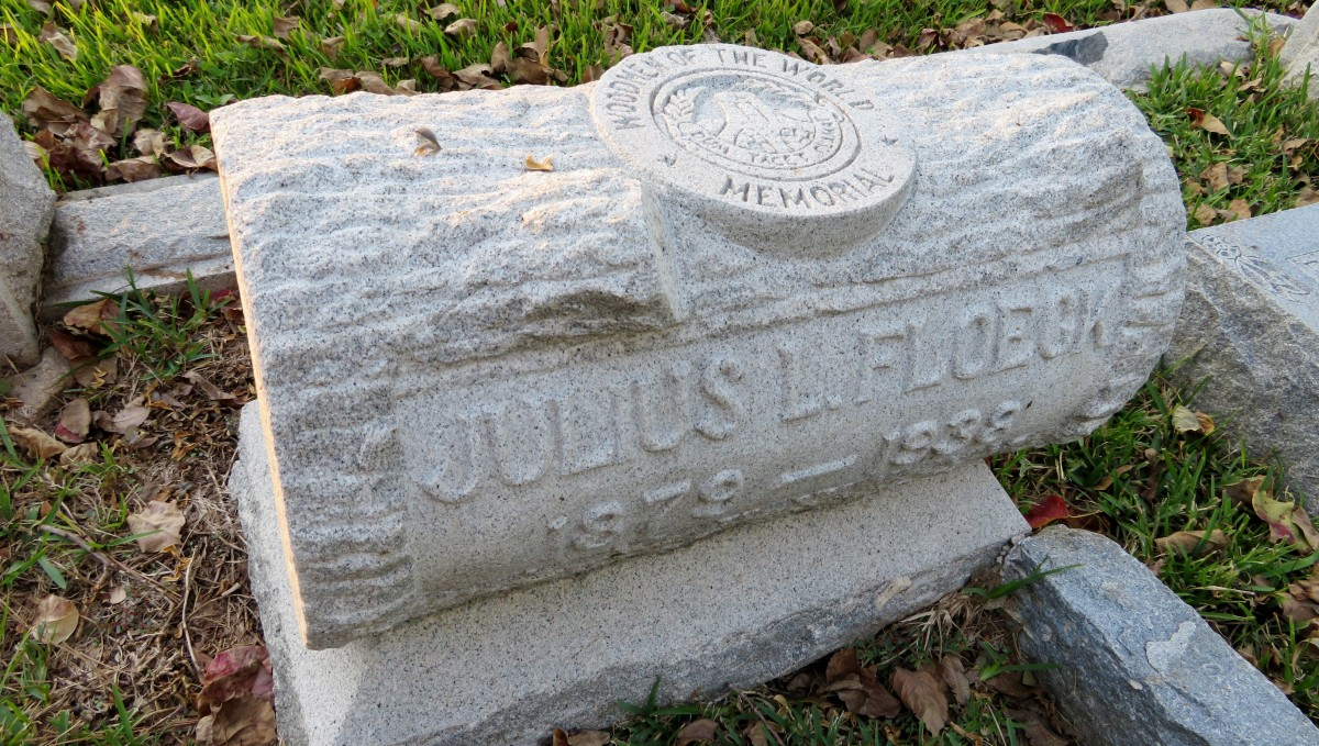 Woodmen of the World (Floeck Monument) in Washington Cemetery