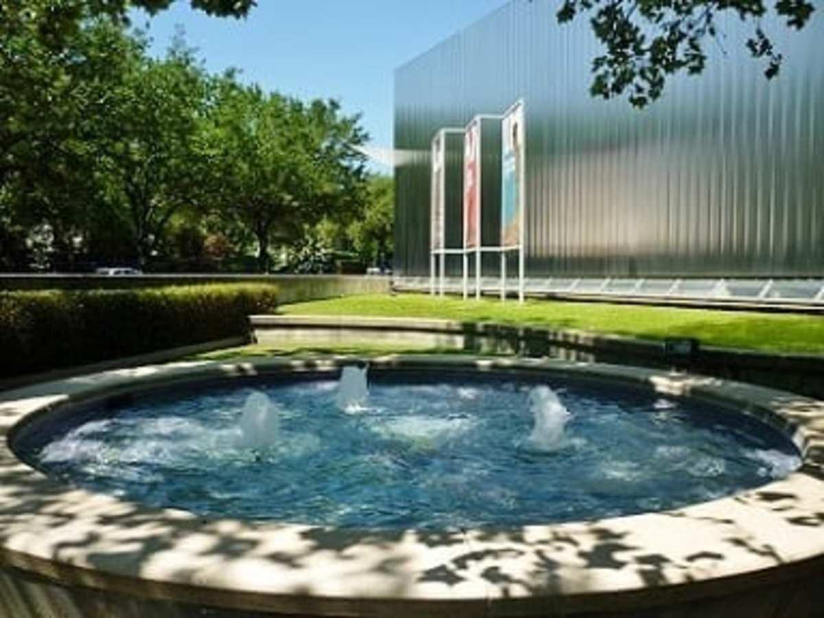 Carol Chiles Ballard Fountain at CAMH