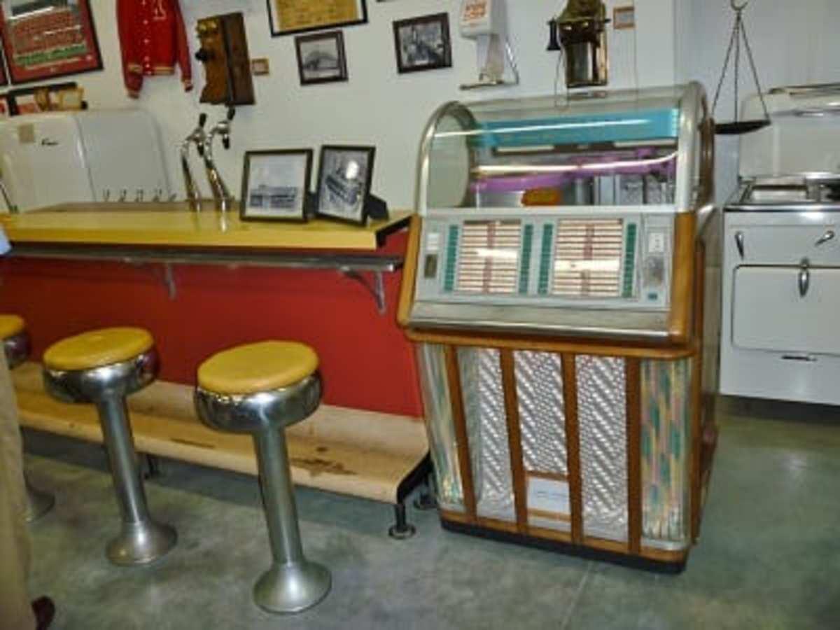 Old Soda Fountain & Jukebox