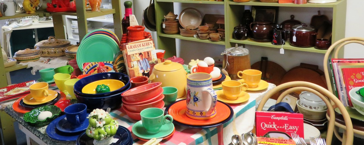 Can't you envision Joanna Gaines picking out some of these vintage dishes to stock a kitchen?